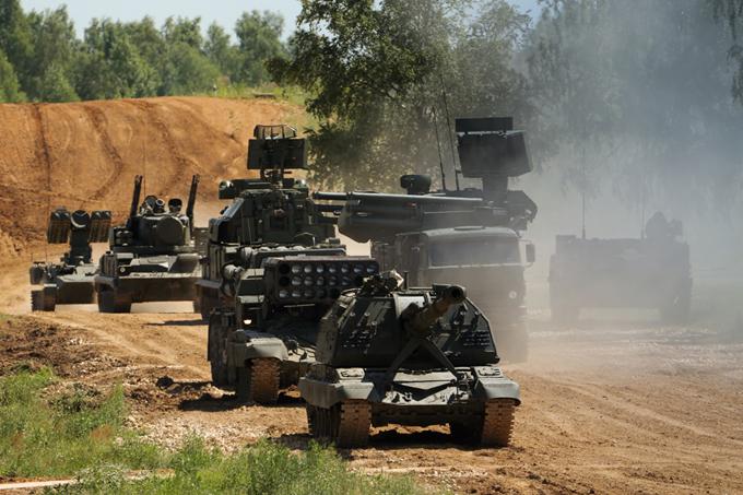 Российская армия во всеоружии. Показ военной техники.