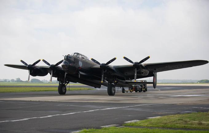 Легендарный бомбардировщик Avro Lancaster