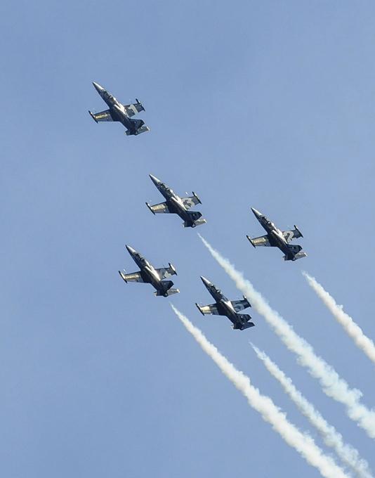 """Breitling Jet Team"". Конкуренты ""Русским витязям"""