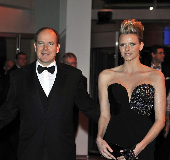 Князь Монако прервал медовый месяц