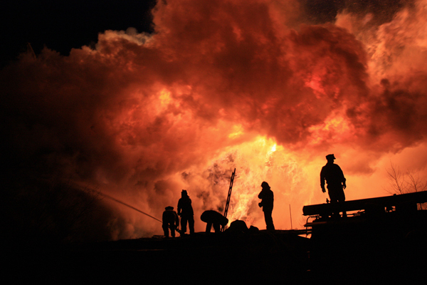 Сильнейший пожар в порту Архангельска