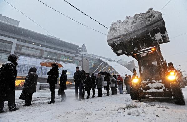 Московский снегопад близок к рекорду века
