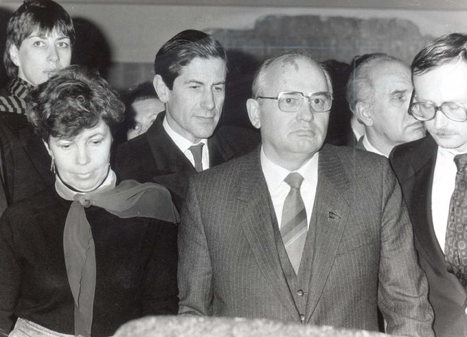 Скелеты в шкафу Горбачёва. Вместе с женой