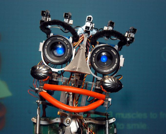 Зачем человеку нужен робот