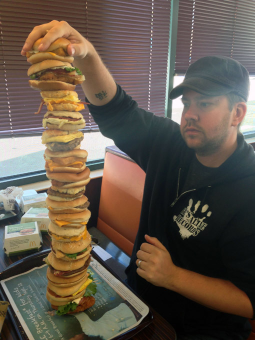Гигантский гамбургер. Безумства от сорвиголов