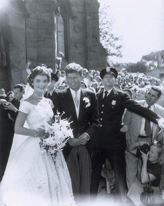 Свадебные фотографии Кеннеди уйдут с молотка