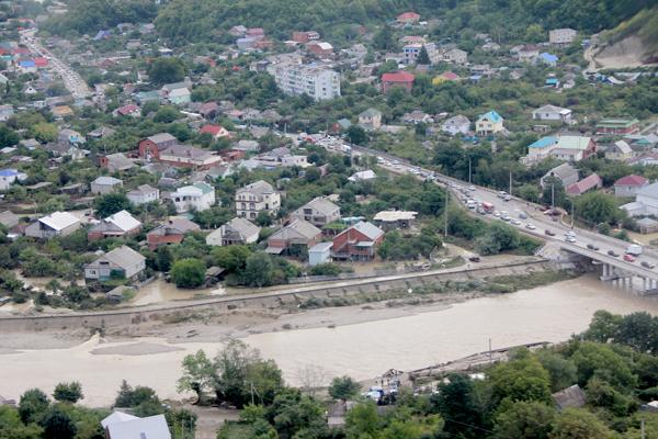 Более 4,5 тысяч жителей Кубани остаются без света из-за наводнения