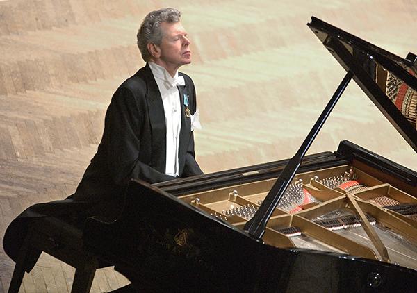 Прославленный пианист Ван Клиберн скончался в США