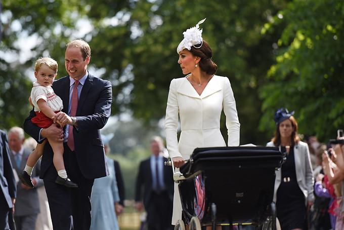 Крещение королевского младенца