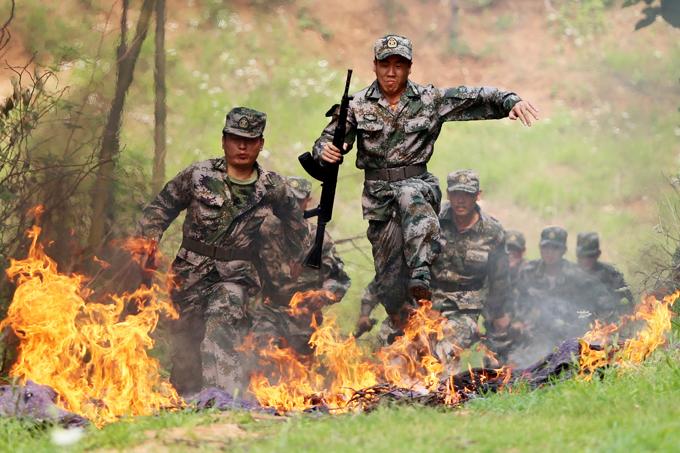 """Китайские """"охотники за головами"""". Военные учения"""