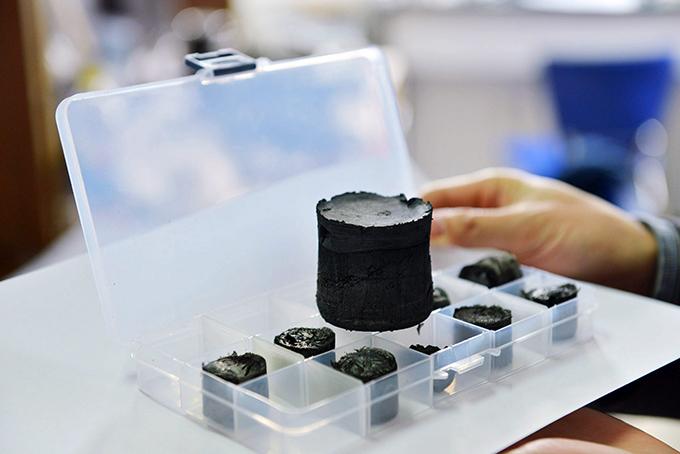 Ученые создали самый легкий в мире твердый материал