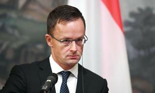 Глава МИД Венгрии указал на бездействие Киева в языковом вопросе