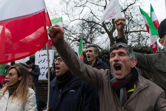 Все подробности теракта: в Иране расстрелян военный парад