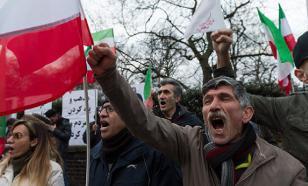 В Иране расстрелян военный парад (подробности)