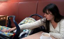 Соцсети возмутил запрет кормить ребенка грудью в кафе
