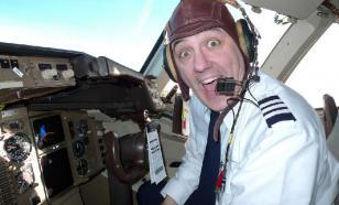 Дым и осколки: В США перехвачен угнанный авиалайнер