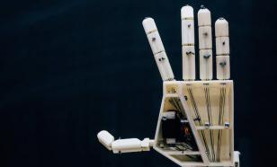 На 3D-принтере студенты распечатали руку-сурдопереводчика