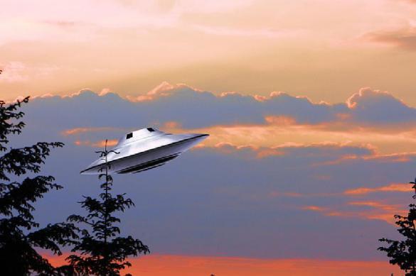 Экс-глава МО Канады рассказал о базе НЛО на юге России и 4 типах гуманоидов