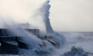 Камчатку ждет супер-шторм и 12-метровые волны