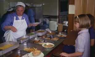 Мэр Казани поручил местным депутатам обедать в школьных столовых весь май