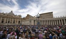 Госсекретарь Ватикана едет в Россию: крестовый поход на Восток?