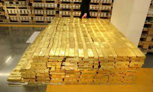 Bloomberg: ставка России на покупку золота и отказ от доллара себя оправдывает