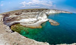 Специалист назвал воду у мыса Тарханкут самой чистой в Крыму