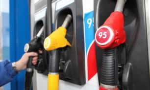 Россияне ездят в Казахстан за дешевым российским бензином