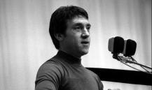 """""""Я скачу иначе"""": чем Высоцкий раздражал советских бюрократов"""