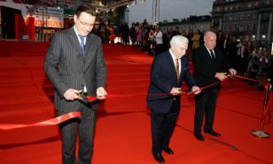 Михаил Швыдкой перерезал красную ленточку нового театра на Пушкинской площади
