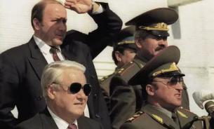 Коржаков: Путин должен быть благодарен Ельцину. О событиях 1993 года