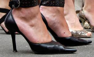 В Вене мужчин научат ходить на каблуках