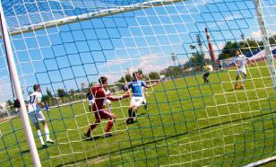 Японская команда забила два гола с центра поля за одну минуту