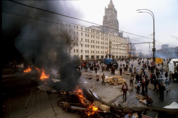 Двадцать четыре года трагическому штурму Белого дома