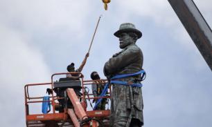 Война памятников: они и мы