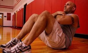 Около трети выполняющих упражнение скручивание попадают в больницу