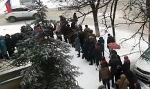 Опубликовано видео огромной очереди на выборах президента РФ в Кишиневе
