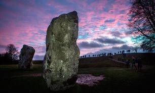 Тайна, покрытая камнем: Эйвбери старше Стоунхенджа
