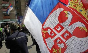 Россия снова спасает Балканы