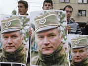 Тяжелый выбор Сербии: ЕС или герой Младич