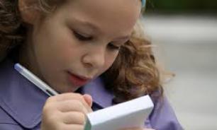 """СМИ: школьников заставили готовить письма отцам """"на фронт"""""""