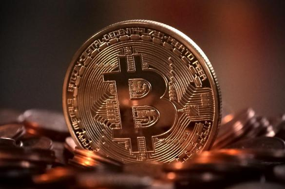 Bitcoin поборол психическую отметку всемь тыс. долларов