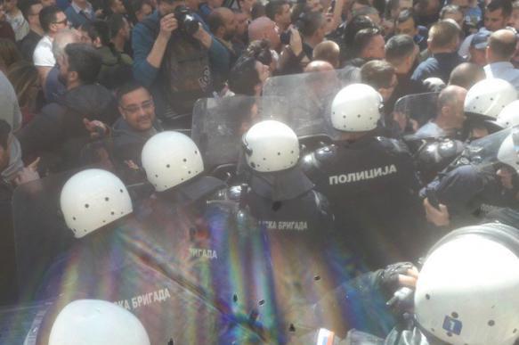 Запад недоволен Вучичем. В Сербии назревает майдан