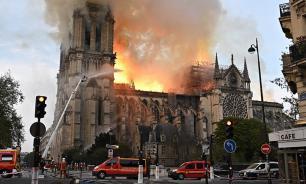 Сигарета и проводка названы вероятными причинами пожара в Нотр-Даме