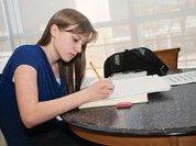 Школьники массово скупают шпионские гаджеты для списывания ЕГЭ