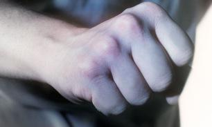 В Якутии неслуживший депутат избил школьника, чтобы показать ему трудности жизни в армии