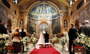 В Италии предложили премировать решивших венчаться молодоженов