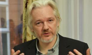 СМИ: глава британского МИД гарантировал Эквадору не выдавать Ассанжа США