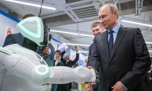 """Путин: развитие искусственного интеллекта превратит страну во """"властелина мира"""""""