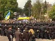 В День скорби Львов плюет на Януковича